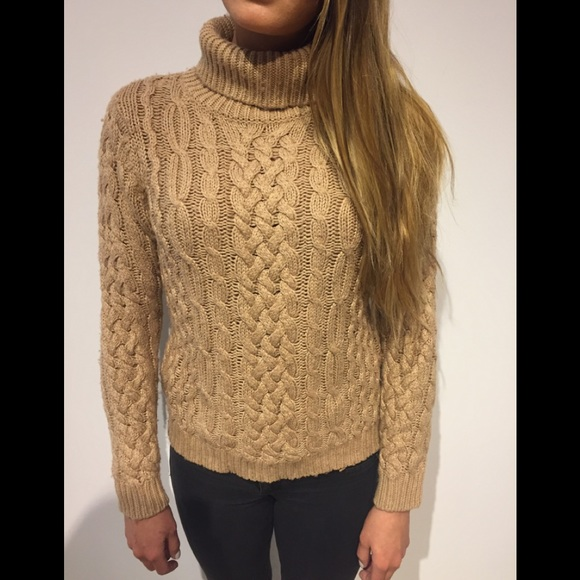 061c0e3cdb MK cable knit turtleneck. M 5a734d6536b9de491af9c9db